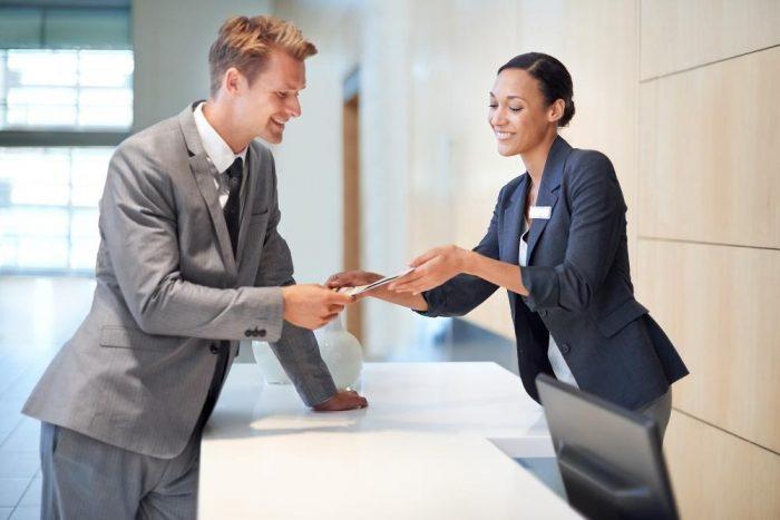 Quy trình check-in tại khách sạn