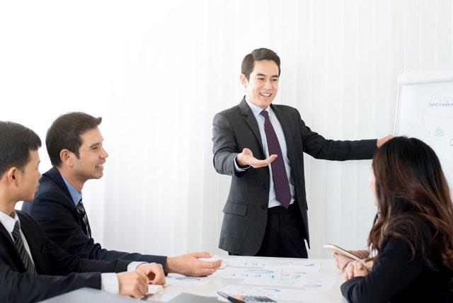 General Manager Là Gì? Công Việc, Mức Lương Của General Manager